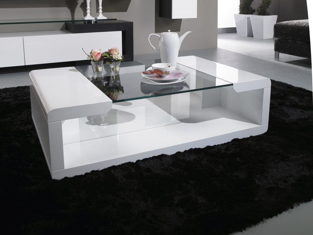 renover une table basse laque. Black Bedroom Furniture Sets. Home Design Ideas