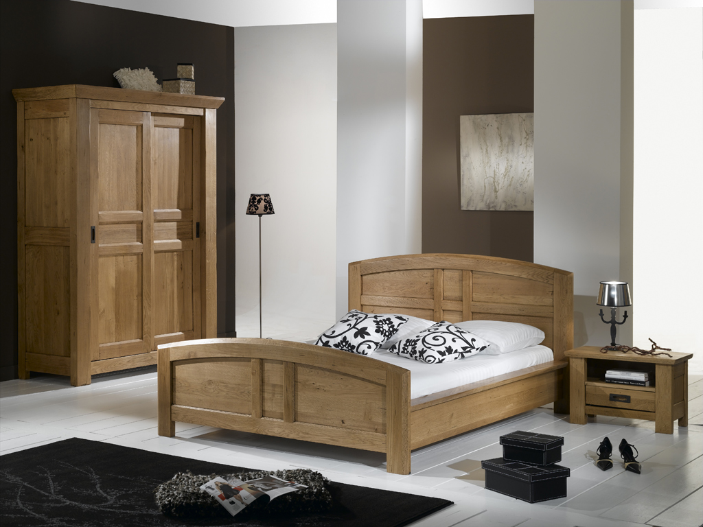 chambre a coucher adulte chambre luxor blanche cristalline dcoration chambre coucher adulte. Black Bedroom Furniture Sets. Home Design Ideas