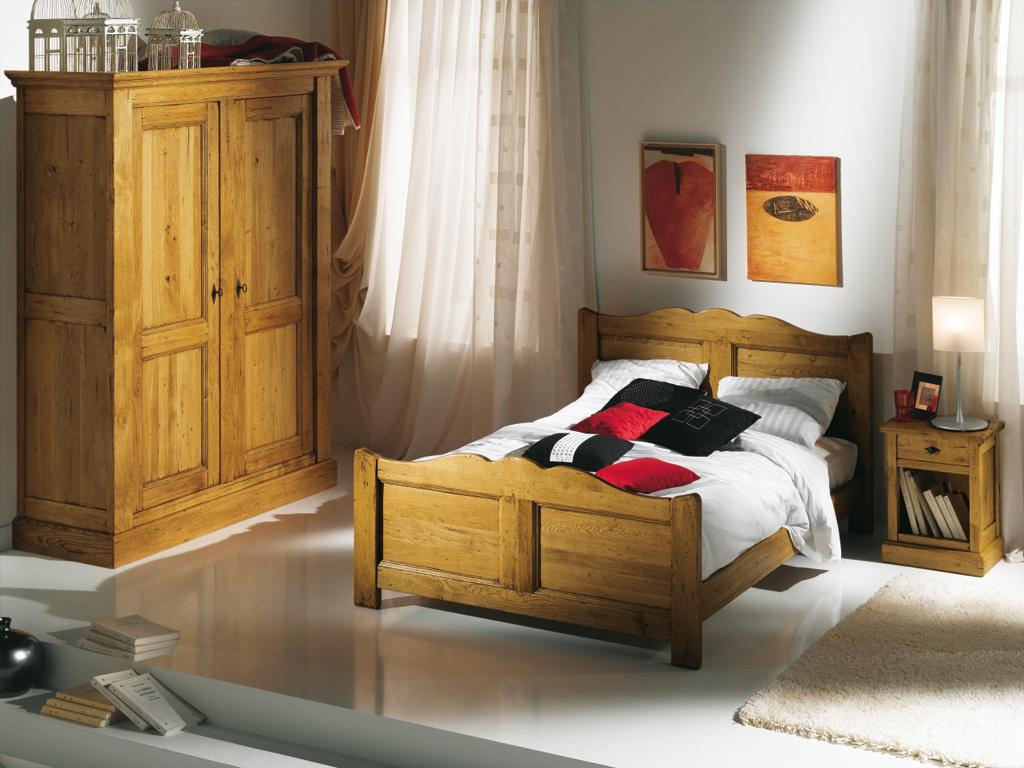 Chambre a coucher rustique en chene avec for Photo de chambre a coucher