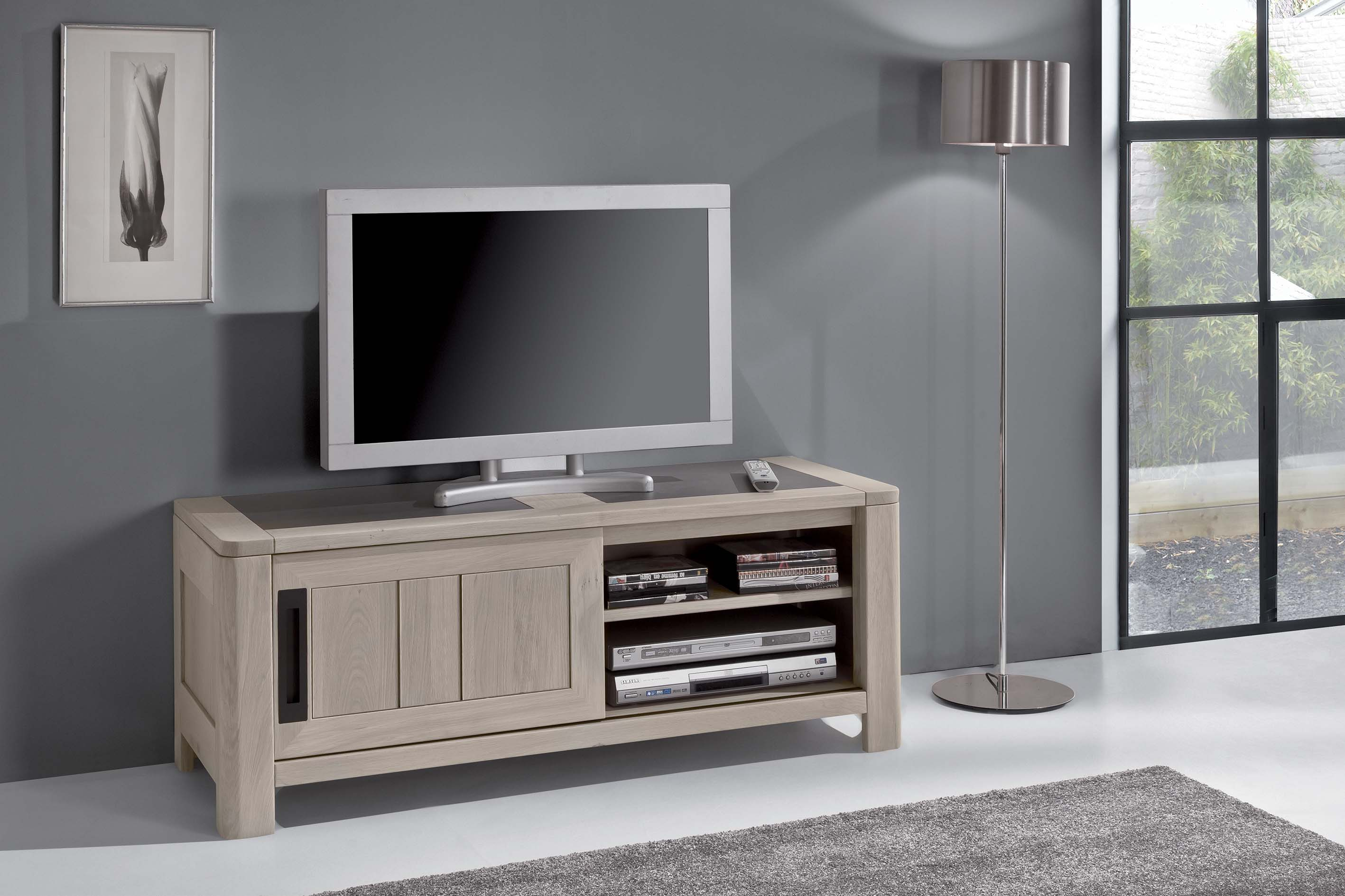 petit meuble tv en ch ne massif de france meubles turone. Black Bedroom Furniture Sets. Home Design Ideas