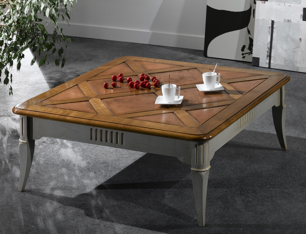 Table basse carr e en merisier meubles turone - Table en verre carree ...